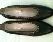 Vintage Chanel Pumps, Size 8 with gorgeous chain detail