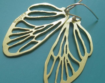 Small Golden Cicada Line Earrings