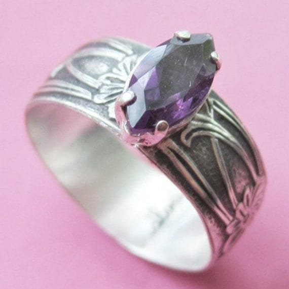 SALE Art Nouveau Ring