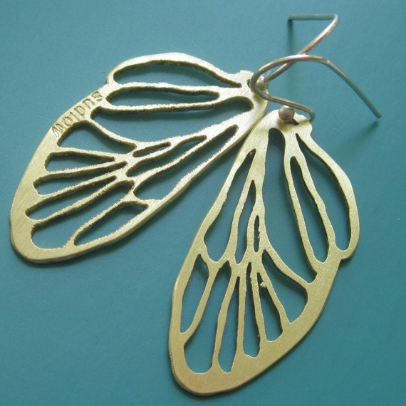 Small Golden Cicada Line Earrings