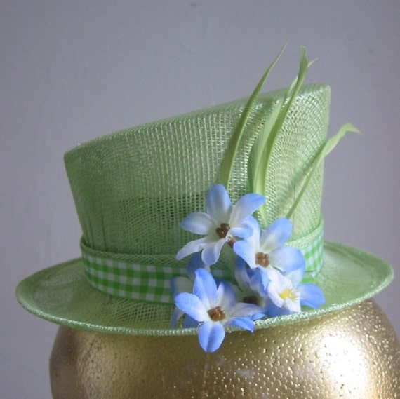 Fascinator Mini Top Hat - Montana