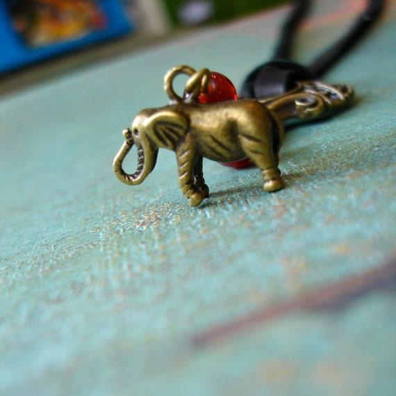 Fifth Elephant Necklace - Discworld Jewelry - Terry Pratchett