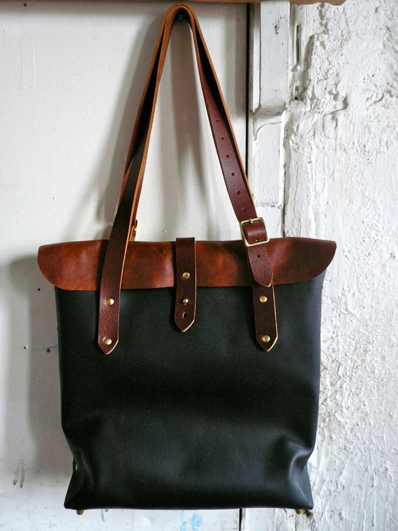 expedition bag in black and brown