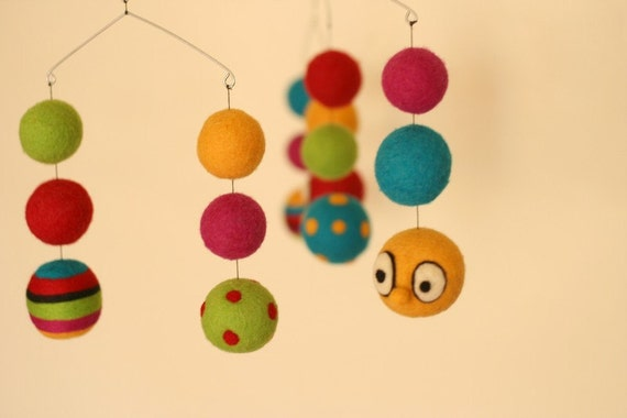 SALE - 20% OFF SALE - Holiday sale - Hop Skip Jump - Eco Friendly - Natural - Felted Wool - Baby Mobile