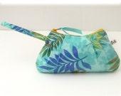 Pleated Wristlet in Hawaii Blues