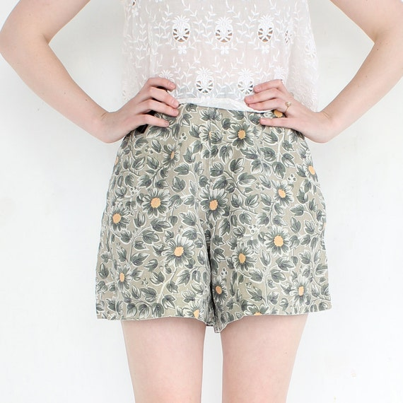 vintage 90's SAGE DAISY floral high waist linen shorts