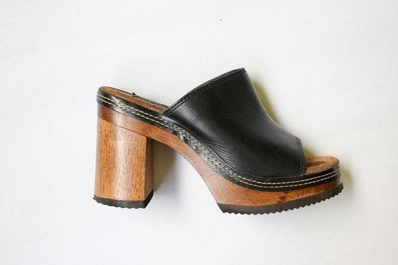 vintage 90's WOODEN HEEL leather platform clog sandals