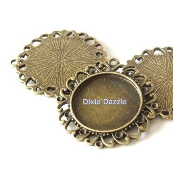 10 pendant trays for 1 inch cabochon, antiqued brass vintage style filigree