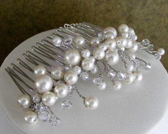 Pearl and Crystal Hair Comb, Bridal Hair Comb, Wedding headpiece, Bridal hair jewelry, wedding comb, bridal comb, bridesmaid hair jewelry