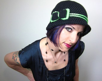 The Love Hat - Black and Green Womens Crocheted Cloche with bow clip