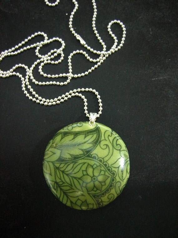 stunning green paisley porcelain necklace