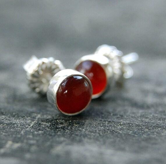 itty bitty -the flame- stud earrings