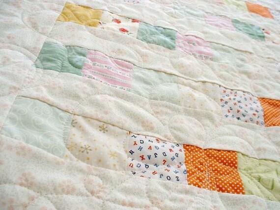 Mini Quilt - floral white - Flower pattern quilting line - 24 x 32