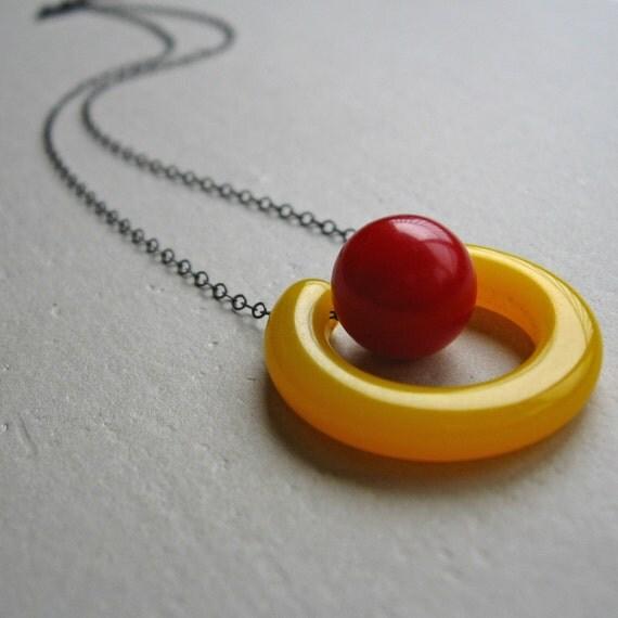 Suspend, Bakelite Necklace