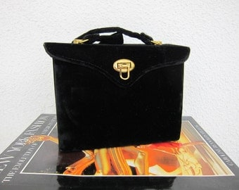 40s Graceline Black Velvet Box Bag - 1940s Vintage Purse - Gold Satin Lining - Classic Elegance