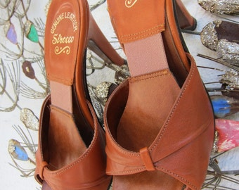 70s Cognac Leather Springolator Pinup Slides Shoes Mules - Vintage High Heel Heels Slide - Pin Up - Disco Heels - 6