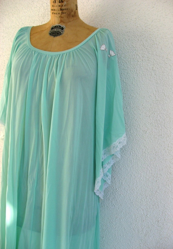 Claire Sandra Lucie Ann Vintage Gown - Seafoam Mint Pastel Green Nightgown - Angel Sleeves - M Petite