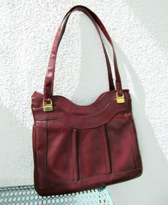 70s Burgundy Lou Taylor Purse Tote Vintage - Swivel Mirror - Marsala Oxblood Shoulder Bag - Faux Leather Handbag - Vegan Tote