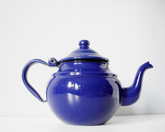 Vintage enamel teapot - bright cobalt blue enamel vintage tea pot - retro blue enamelware kettle from Yugoslavia