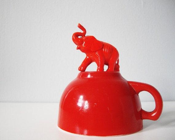 Small bright cherry red teacup - vintage milkglass cup retro happy pretty milk glass