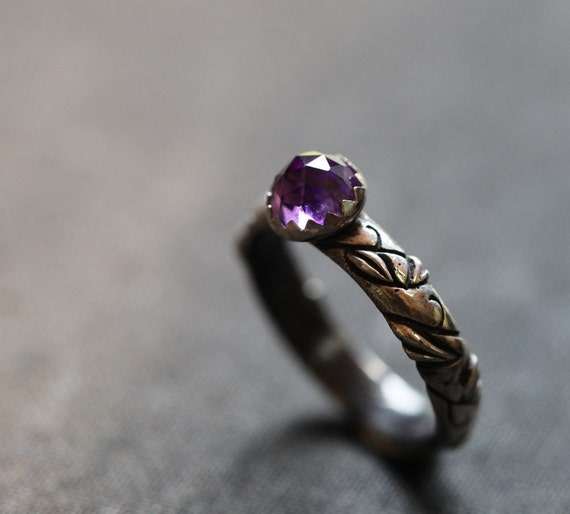 Amethyst solitaire leaf ring, sterling silver ring, size 6.5, woodland fantasy