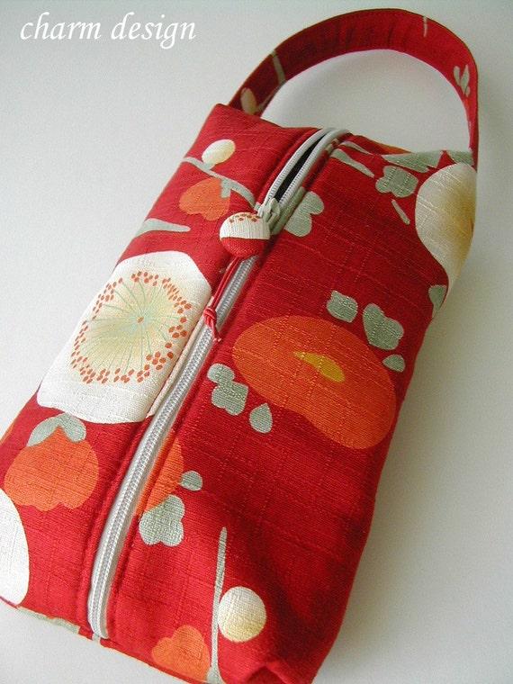 Red Tsubaki - Hand Pouch