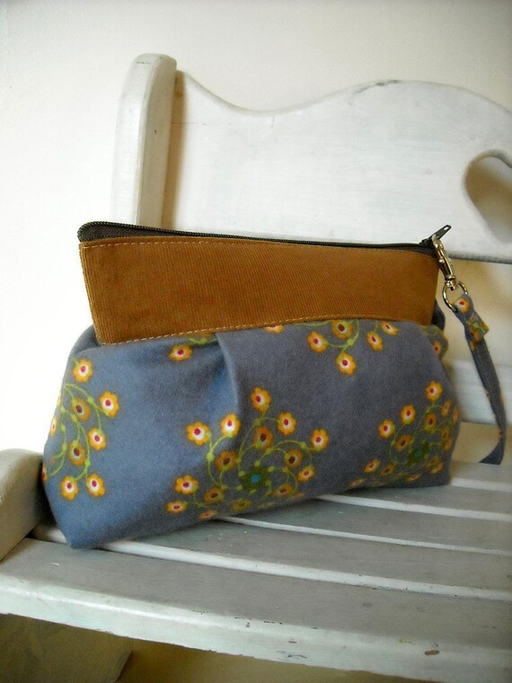 Sale - A Little Flower - Zipper Pouch with Clip