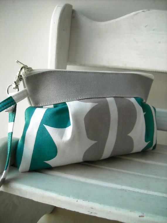SALE - Green - Zipper Pouch with Clip