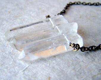 Raw Quartz Necklace - Crystal Necklace  - Quartz jewelry - raw stone jewelry - bohemian jewelry - minerals-  boho jewelry