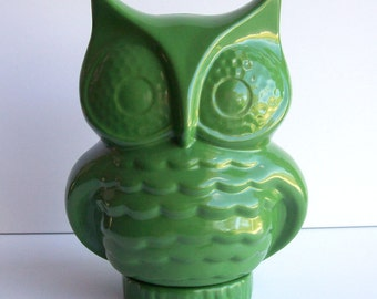 Owl Bank Vintage Design Grass Green