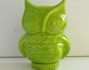 Ceramic Owl Bank Vintage Design Chartreuse