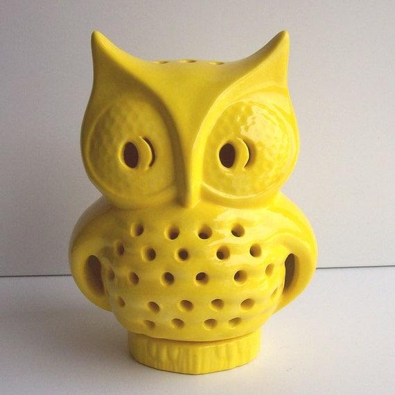 Ceramic Owl Lantern Vintage Design in Lemon