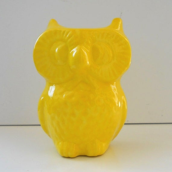 Ceramic Owl Vase Vintage Design Lemon Yellow