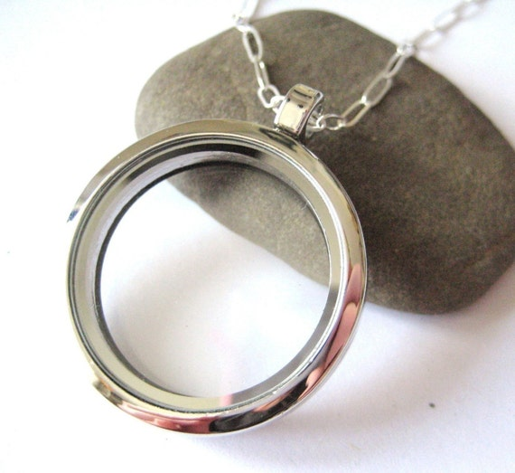 LARGE Glass Memory Locket, for keepsakes, photos, love notes - 18 inch chain
