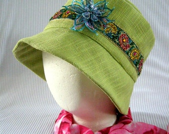 Paisley Trimmed Cloche