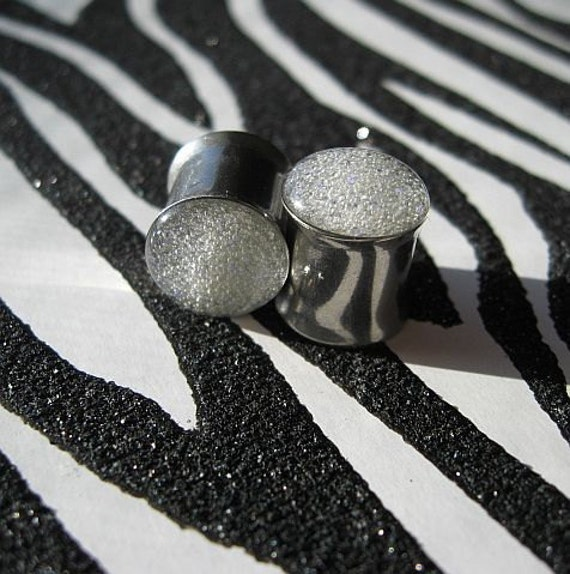 """Glam 7/16"""" 11mm Glow in the Dark Double Flare Plugs"""