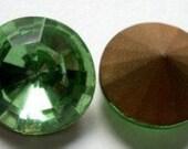 14mm vintage rhinestones - Peridot green