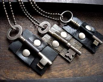 Vintage Skeleton Key Necklace - Black Leather Dog Tag Necklace with Key - Doorkeeper