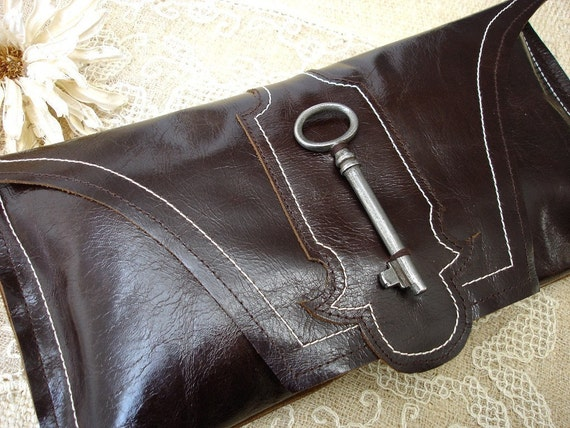 Whiskey Brown Leather Saxony Clutch with Antique Skeleton Key
