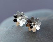 Chamomile Flower Studs, Sterling Silver Stud, Flower Earrings, Pretty Floral Blossom, Simple Posts, Everyday Earrings, Casual Jewelry