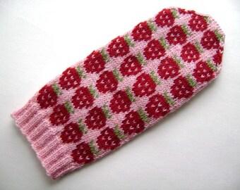 Strawberry Mitten pattern