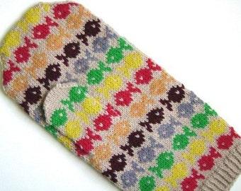 Swedish Fish mitten pattern
