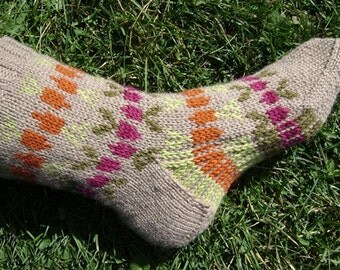 Carrots and Beets socks pattern