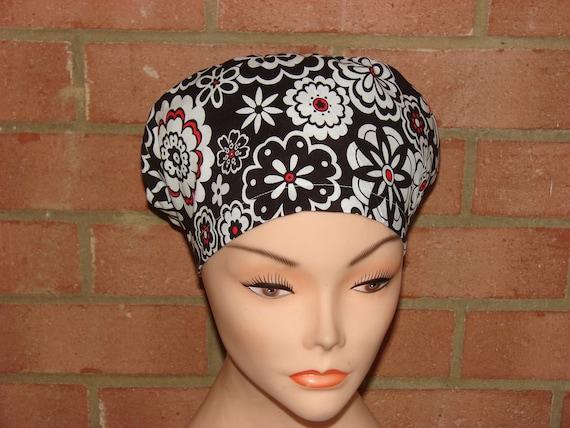 New Bloom Flower Noir et Blanc Surgical Scrub Hat Vet Nurse Chemo