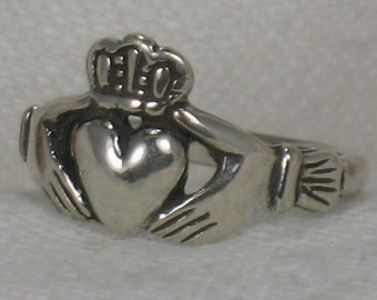 Claddagh ring, Irish friendship ring, Irish wedding. handfasting, Solid Sterling silver, size 3-5.