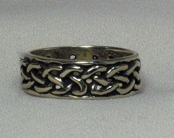 14k white or yellow gold, Celtic knot ring, wide pierced wedding band. CUSTOM Size 6 and under.