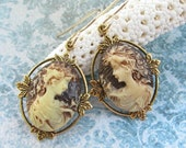 Cameo Earrings Brown and Creme Profile