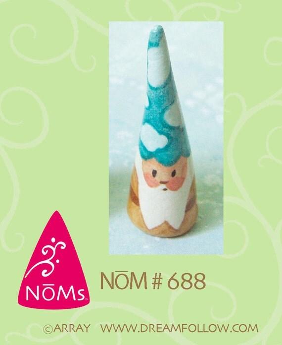 NOM 688 mini gnome figure