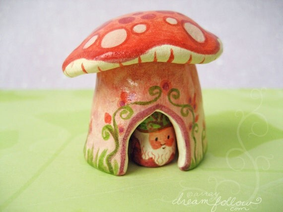NOM home mushroom habitat