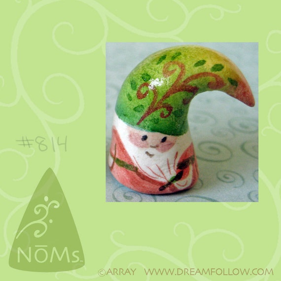 NOM 814 mini gnome figure